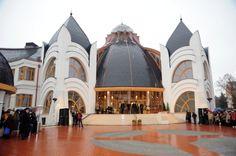 Hungarian organic architect Imre Makovecz: Hungary, Makó Hagymatikum Bath and Spa