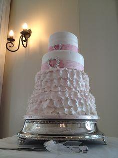 Pink & white wedding cake  #weddings #weddingfood #portelizabethwedding #easterncapewedding  #forestwedding #plantationwedding #weddingseason Forest Wedding, Wedding Season, Pink White, Wedding Cakes, Weddings, Desserts, Wedding Gown Cakes, Tailgate Desserts, Wedding