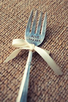 Happy Thanksgiving! What a cute idea for your Turkey Day table;)
