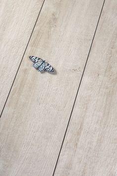 die 23 besten bilder von holzoptik fliesen flooring houses und living room. Black Bedroom Furniture Sets. Home Design Ideas