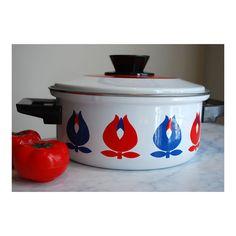Vintage Unused Danish Pot Enamel Tulips Mid Century Modern Mod Scandi Cookware Kitchen Catherine Holm Style GDR Blue Red White Dansk
