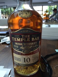 10 Year Old Irish Whiskey from The Temple Bar. Whiskey Trail, Good Whiskey, Bourbon Whiskey, Whisky Bar, Scotch Whisky, Champagne Drinks, Cocktail Drinks, Closet Bar, Old Irish