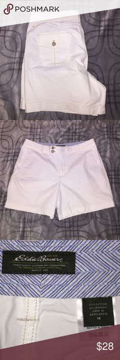"""Summer Shorts!!! Cute casual shorts for summer!   Side pockets,  cute two button closure with a 5 1/2"""" inseam.  Great for family reunions, picnics or a stroll in the park.  Pair it up with a cute top & sandals and you're set!!! Eddie Bauer Shorts Jean Shorts"""