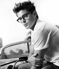 My obsession with guys who have glasses continues