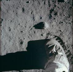 La huella de un astronauta durante la actividad extravehicular en la superficie lunar, 20 de julio de, 1969 (Reuters)
