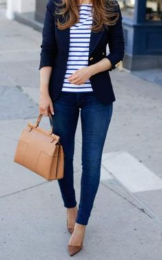 Jeans and a blazer - Casual Work Outfits Blazer Outfits Casual, Classy Outfits, Chic Outfits, Fall Outfits, Fashion Outfits, Monday Work Outfits, Blazer And Jeans Outfit Women, Dress With Blazer, Blazer Jeans