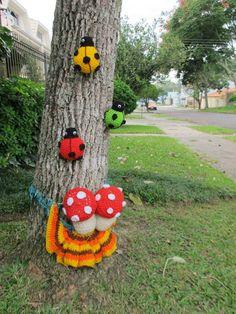yarn bombing - Brasil - Curitiba - Tarumã#loveknittingcom#amidsummerknitsdream