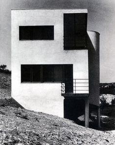 József Fisher - House on szépvölgyi avenue, Budapest 3d Architecture, Minimalist Architecture, Contemporary Architecture, Bauhaus, Schroder House, International Style Architecture, Streamline Moderne, Famous Architects, Art Deco