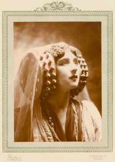 Ruth St. Denis in Jephtha's Daughter, private performance.  					  	  					  					  	  					  					  					  						(ca. 1906-1908)