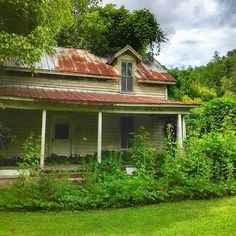 prettymamasuzi What have they done to the old homeplace Why did they tear it down? And why did I leave my plow in the field To look for a job in the town? - Mitch Jayne #abandoned #DelRio #TN #BeautifulCockeCounty #thesouthernfront #picturedixie #storyofamerica #s_o_a #tv_rural #appalachia #dailyshot