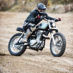 Suzuki (Savage) Tracker/scrambler That torquey thumper has got to be a blast to ride! Suzuki Cafe Racer, Suzuki Motorcycle, Cafe Racers, Cool Motorcycles, Vintage Motorcycles, Scrambler, Savage Suzuki, Offroad, Sr500
