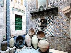 Tunisian baskets and old pots