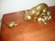 Large Vintage HEAVY Brass CAT Statue  Pouncing Position  & 2 kiitties & a mouse 35