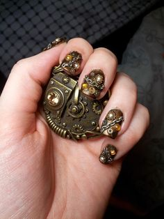 steampunk nails - whether you like this or not the actual work involved in this is outstanding x Steampunk Nails, Steampunk Makeup, Style Steampunk, Steampunk Design, Steampunk Fashion, Steampunk Wedding, Steampunk Costume, Love Nails, Fun Nails