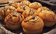 Cupcakes cu vanilie - reteta explicata in fotografii, mod de preparare, ingrediente. Cum se fac delicioasele cupcakes cu vanilie. Reteta cupcakes.