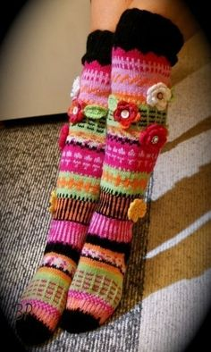 Crochet Leg Warmers, Crochet Slippers, Fair Isle Knitting, Knitting Socks, Crochet Gifts, Knit Crochet, Knitting Patterns, Crochet Patterns, Knee High Socks