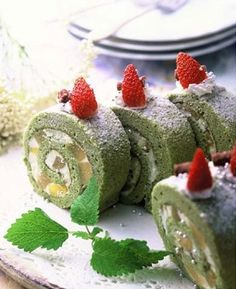 Matcha Roll Cake Recipe - with Matcha Natural | MatchaNatural.com | Available in different sizes. Starting at $3.95 for 50g! 1.800.515.5035