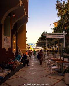 Cala la sera  #amalficoast #cilentocoast #campania #positano #instagood #costaamalfitana #tourism #travel #southitaly #capri #travelblogger #volgoitalia #amalfi #destinazionesalerno #vacation #nice #verso_sud #holidays #voyage #ig_salerno #ig_amalficoast #viagem #travelagent #viaje #naples #benvenutialsud #ig_italia #campaniaexperience #travelawesome #best_amalficoast