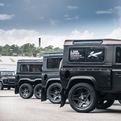 The last 25 Land Rover Defender models by Chelsea Truck Co ..available in LHD and RHD configuration! Price 49999vat  Please follow @chelseatruckco @flyinghuntsman  First year allocation sold out!  Coachbuilt in Great Britain ________________________________________#kahndesign #fitness #4x4 #chelseatruckcompany #landrover #landroverdefender #defender #g6x6 #g55 #g63 #amg #luxury #knightsbridge #expedition #jeep #bespoke #landroverexperience #afzalkahn #carporn #dubai #qatar #fashion…