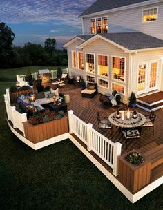 dreaming of a. new deck Love the planters with the deck railing. Not sure why the grill is so far away from the table to eat though?Love the planters with the deck railing. Not sure why the grill is so far away from the table to eat though? New Deck, Decks And Porches, House Goals, Backyard Patio, Backyard Seating, My Dream Home, Dream Homes, Dream Home Design, Dream Big