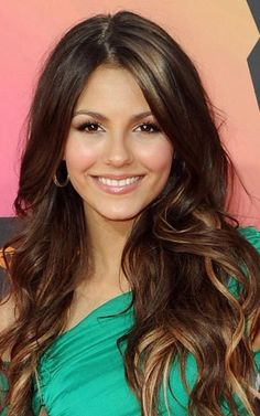 Victoria Justice and her gorgeous hair Victoria Justice Hair, Brunette Hair, Rich Brunette, Great Hair, Celebrity Hairstyles, Hair Dos, Gorgeous Hair, Pretty Hairstyles, Hair Hacks