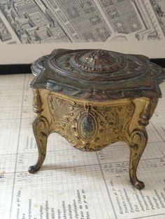 French Jewel Box