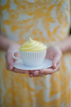 You could do cupcakes in teacups.