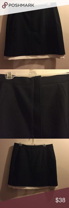 NWT Banana Republic black and white skirt Zipper front form black mini with white detail Banana Republic Skirts