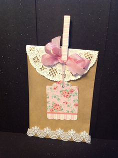 Items similar to Shabby Chic Gift Bag Kit, Shabby Chic Gift Wrap Kit, Flowers and Venise Lace Set of 6 on Etsy Wedding Favours Easter, Wedding Favours To Make, Disney Wedding Favors, Craft Packaging, Packaging Ideas, Shabby Chic Gifts, Card Tags, Cards, Fall Diy
