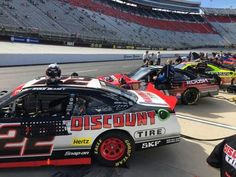 Ryan Blaney in the #22 Discount Tire Ford Mustang at Bristol