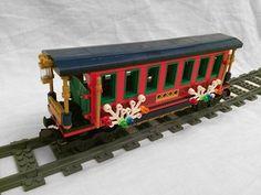 Post with 8681 views. Christmas Cars, Lego Christmas Ornaments, Lego Christmas Village, Lego Winter Village, Xmas, Christmas Ideas, Lego Gingerbread House, Gingerbread Train, Lego City Train