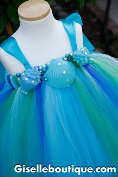 I love this for the flowergirls.  Of course as a full dress it works for little ones, but this would be perfect made as a skirt with a nice top!  <3