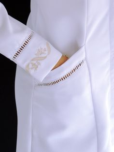 Discover recipes, home ideas, Doctor White Coat, High Collar Blouse, Scrubs Outfit, Lab Coats, Abaya Fashion, Kurta Designs, Green Lace, Fashion Sewing, Material Girls