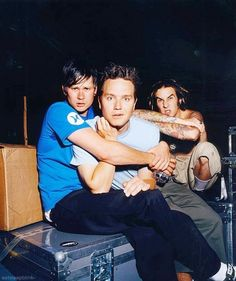 ImageFind images and videos about blink mark hoppus and tom delonge on We Heart It - the app to get lost in what you love. Blink 182 Songs, Tom Delonge, Smile Everyday, Make Her Smile, Education Humor, Celebrity Travel, Band Photos, Pierce The Veil, Pop Punk
