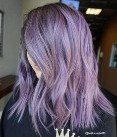 The Prettiest Pastel Purple Hair Ideas Medium Choppy Pastel Purple Hairstyle - I like this length an Pastel Purple Hair, Hair Color Purple, Cool Hair Color, Pink Hair, Light Purple Hair, Gray Hair, Hair Colors, White Hair, Purple Hair Styles