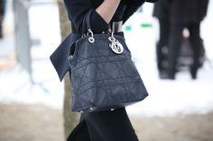 Street looks à la Fashion Week haute couture printemps-été 2013 - Jour 1 Christian Dior