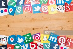 Foto de stock : Social media icons on a wooden background Internet Marketing Seo, Seo Marketing, Digital Marketing, Digital India, What Is Digital, Marketing Techniques, Community Manager, Social Media Icons, Wooden Background