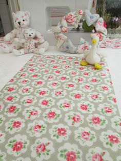 BN Very Pretty Cath Kidston Oilcloth In Grey Provence Rose