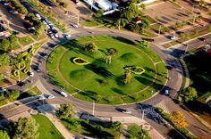 A Gramas Guarujá tem orgulho de ser parte dessa história.  Inaugurada em 20 de maio de 1989 e instalada em 1º de janeiro de 1990, Palmas, a capital do Tocantins, está cravada na exuberante paisagem do cerrado, no coração do Brasil. É conhecida como a Capital das Oportunidades. Esta máxima se ancora em um projeto de desenvolvimento sustentável onde o meio ambiente e homem estão no centro de estudo.
