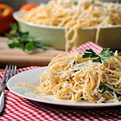 Greek yogurt makes this Baked Lemon Pasta creamy and healthy. (this is seriously all i ever eat. excited to try with greek yogurt! Italian Recipes, New Recipes, Favorite Recipes, Healthy Recipes, Vegetarian Recipes, Pasta Recipes, Dinner Recipes, Cooking Recipes, Cooking Time