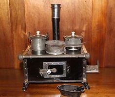 Alter Herd, Play Kitchens, Old Kitchen, Stoves, Dollhouses, Candle Holders, Old Things, Miniatures, Sheet Metal