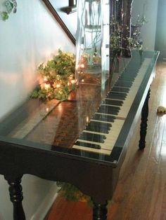 Repurposed For Life: Piano keyboard made into a table. Rather have the piano, but it's still cool! Old Furniture, Repurposed Furniture, Furniture Makeover, Painted Furniture, Furniture Ideas, Furniture Vintage, Unique Furniture, Cane Furniture, Country Furniture