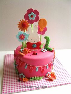 Miffy  Cake by Daantje