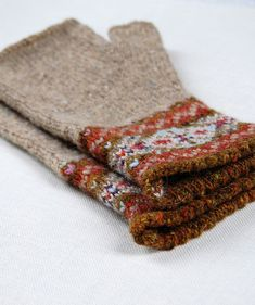 Knitting Patterns Ravelry Ravelry: Grey Fair Isle Mitts pattern by Helen Gray Designs Fingerless Gloves Knitted, Knit Mittens, Knitting Socks, Hand Knitting, Knitting Machine, Vintage Knitting, Fair Isle Knitting Patterns, Fair Isle Pattern, Knitting Designs