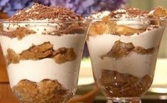 Look at this recipe - Pronto tiramisu - from Danny Boome and other tasty dishes on Food Network. Easy Tiramisu Recipe, Tiramisu Dessert, Dessert Simple, Yummy Treats, Yummy Food, Sweet Treats, Köstliche Desserts, Dessert Recipes, Parfait Recipes