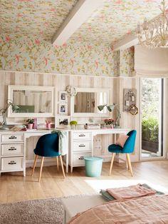 Zona doble de estudio en habitacion infantil con papel pintado_455068 O