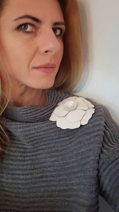 Large Leather Flower Brooch, Bold Floral Accessory, Big White Flower Brooch, Ivory Upcycled Italian Leather, OOAK Leather Jewelry for Women