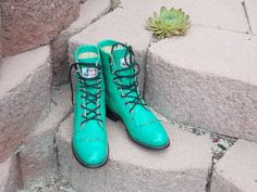 Women's vintage Justin Mint green Western Lacer Boots
