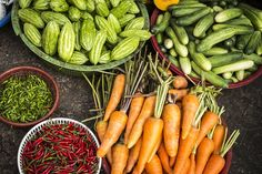 Is there a connection with stress and heartburn? Read here to see why stress could cause heartburn and how to prevent this in the first place. Fruits And Vegetables, Veggies, Planting Vegetables, Organic Vegetables, Natural Remedies For Heartburn, Cancer Fighting Foods, Le Diner, Eat To Live, Food Reviews
