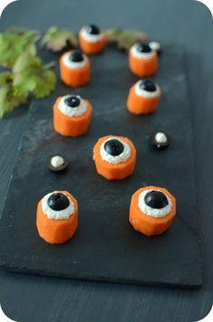 Une idée trop simple pour épater la galerie lors d'une soirée d'horreur ou pour Halloween qui sera justement là dans quelques jours ! Il vous suffit de découper des rondelles de carottes, un peu de fromage frais et des olives noires et vous aurez des...